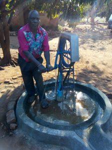 Sofia Lungu pump