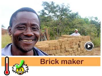 045 Brick maker, Thomas Phiri